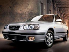 Ver foto 2 de Hyundai Elantra 2000