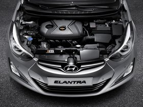 Ver foto 38 de Hyundai Elantra Tecno 2014
