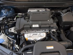 Ver foto 12 de Hyundai Elantra Blue 2010
