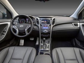 Ver foto 18 de Hyundai Elantra GT 2015