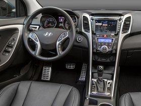 Ver foto 16 de Hyundai Elantra GT 2015