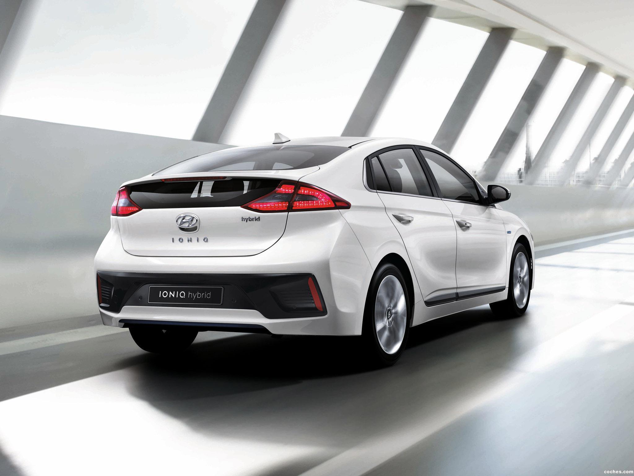 Foto 1 de Hyundai IONIQ Hybrid 2016