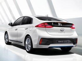 Ver foto 1 de Hyundai IONIQ Hybrid 2016