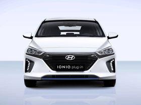 Ver foto 1 de Hyundai IONIQ Plug In 2016