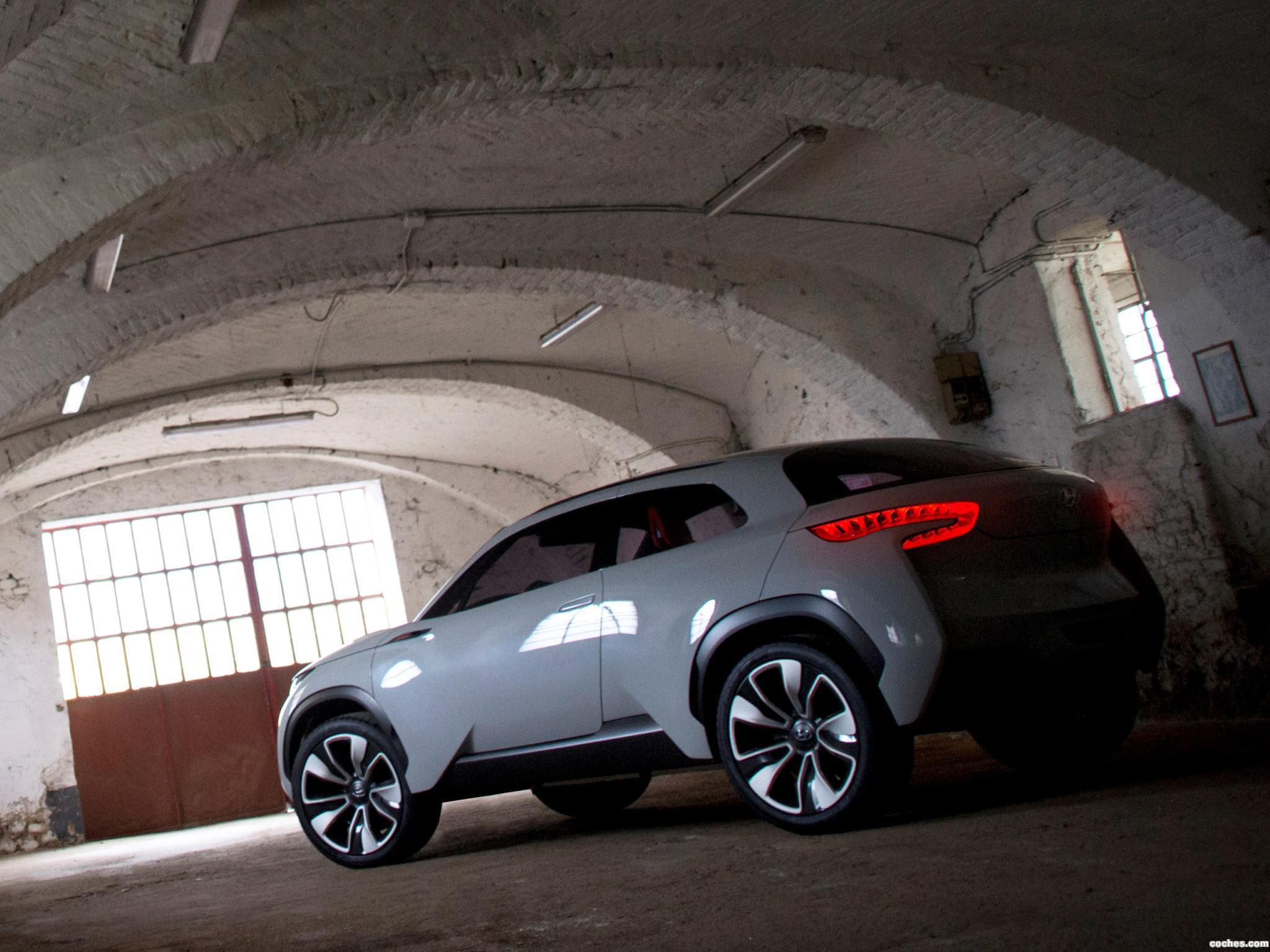 Foto 1 de Hyundai Intrado Concept 2014