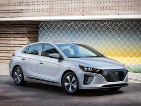 Ver foto 1 de Hyundai Ioniq Plug-in Hybrid USA 2017