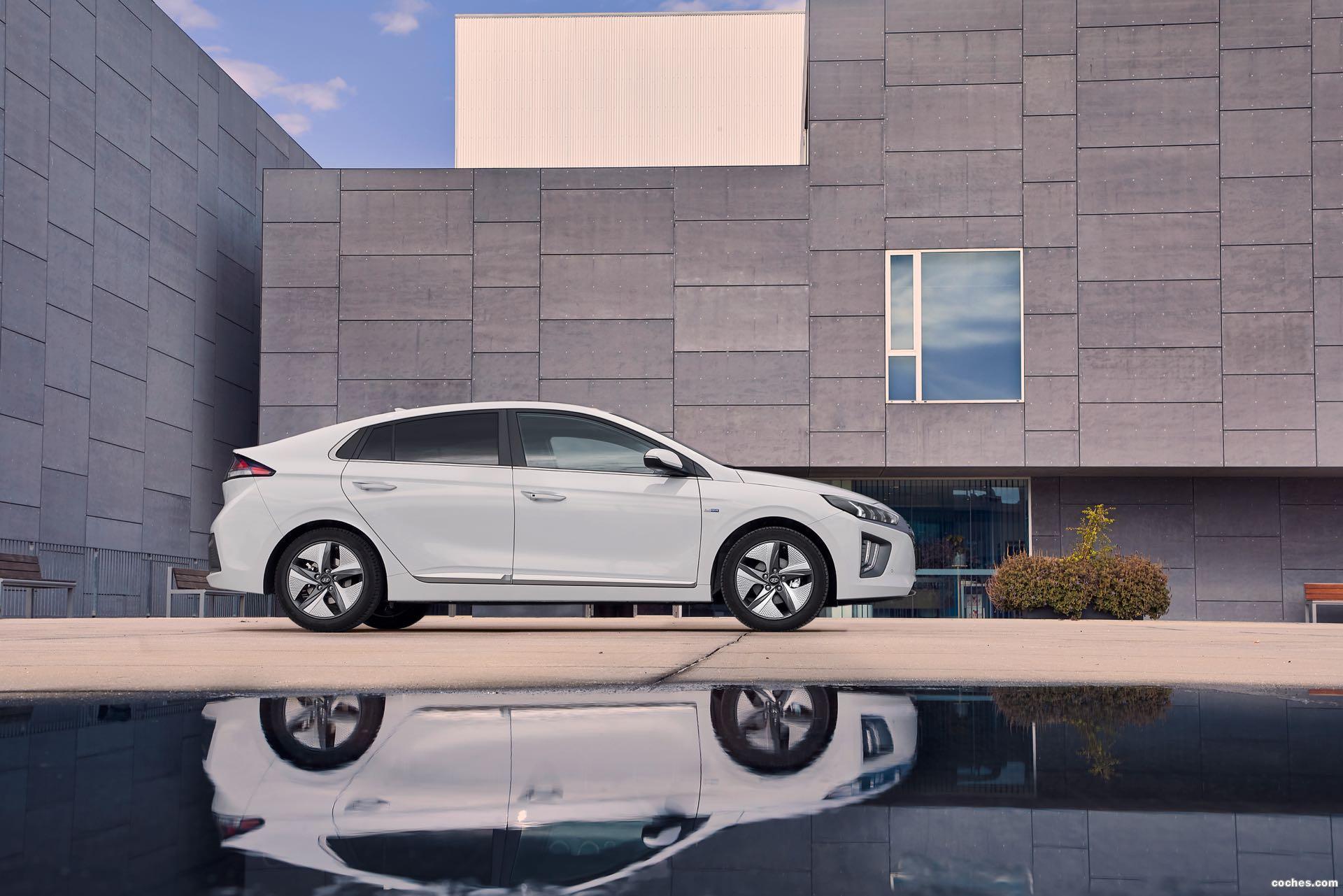 Foto 10 de Hyundai Ioniq Hybrid 2019