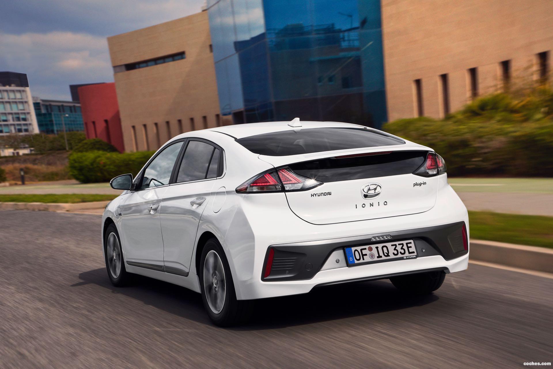 Foto 1 de Hyundai Ioniq plug-in 2019