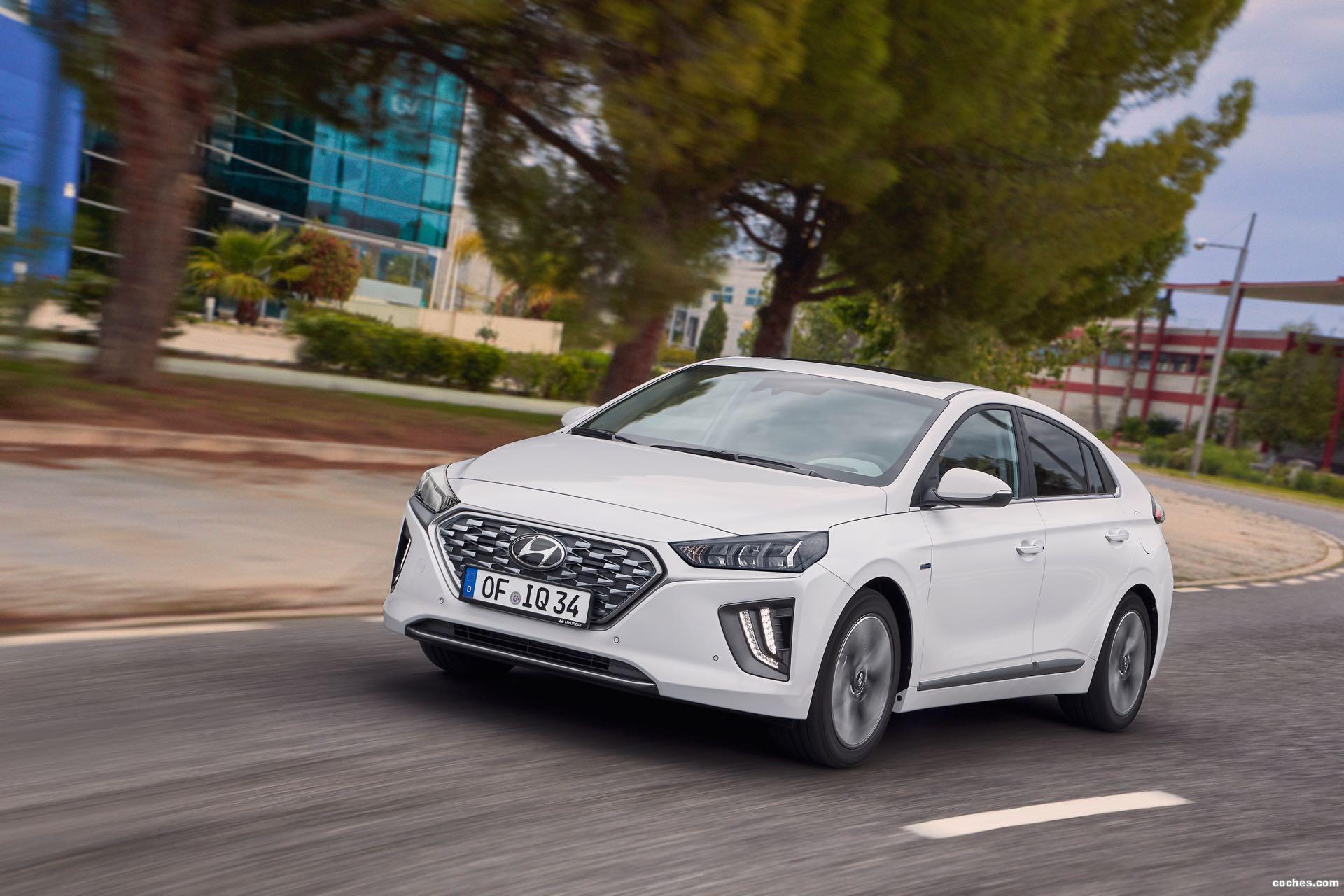 Foto 1 de Hyundai Ioniq Hybrid 2019