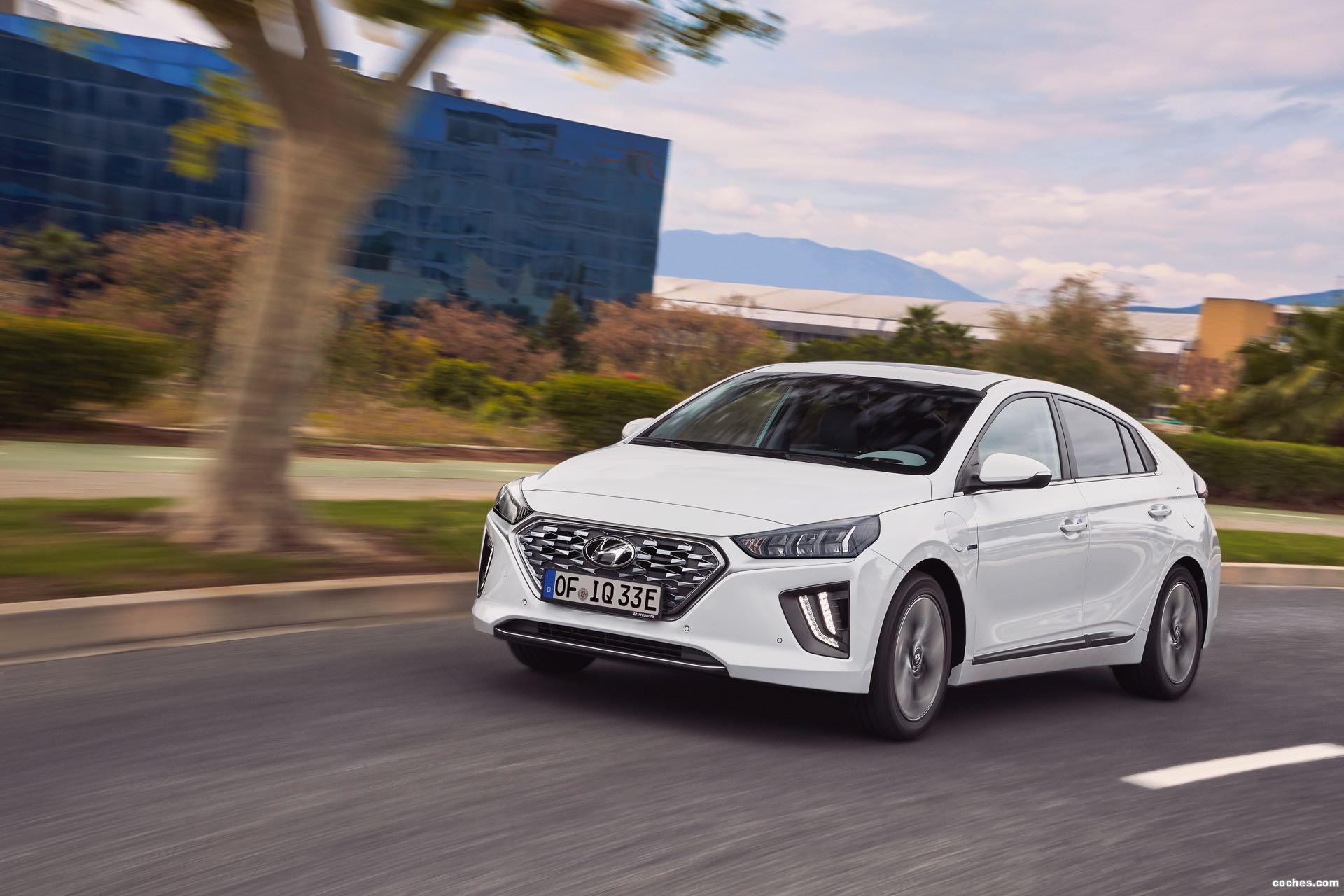 Foto 2 de Hyundai Ioniq plug-in 2019