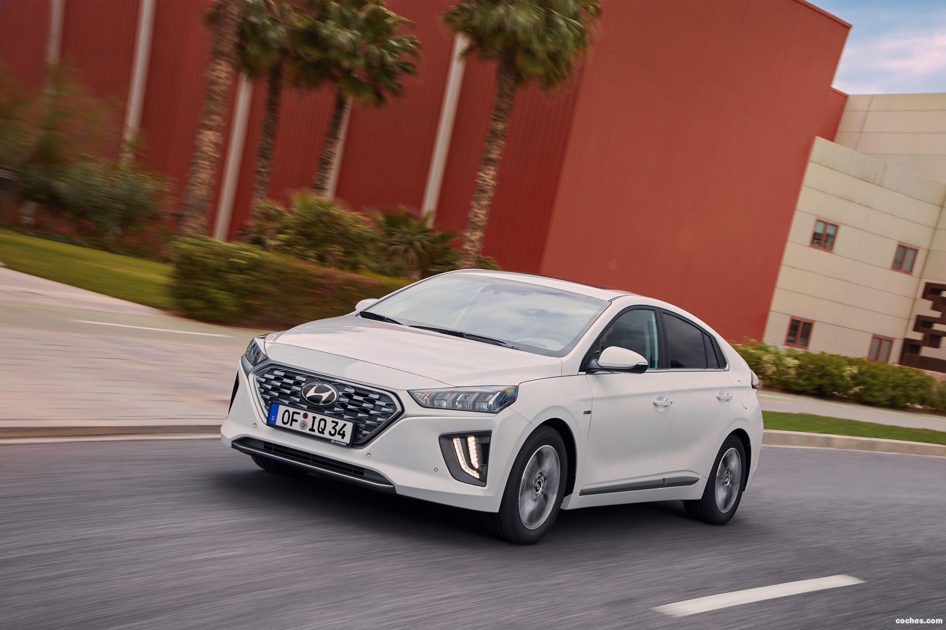 Foto 0 de Hyundai Ioniq Hybrid 2019