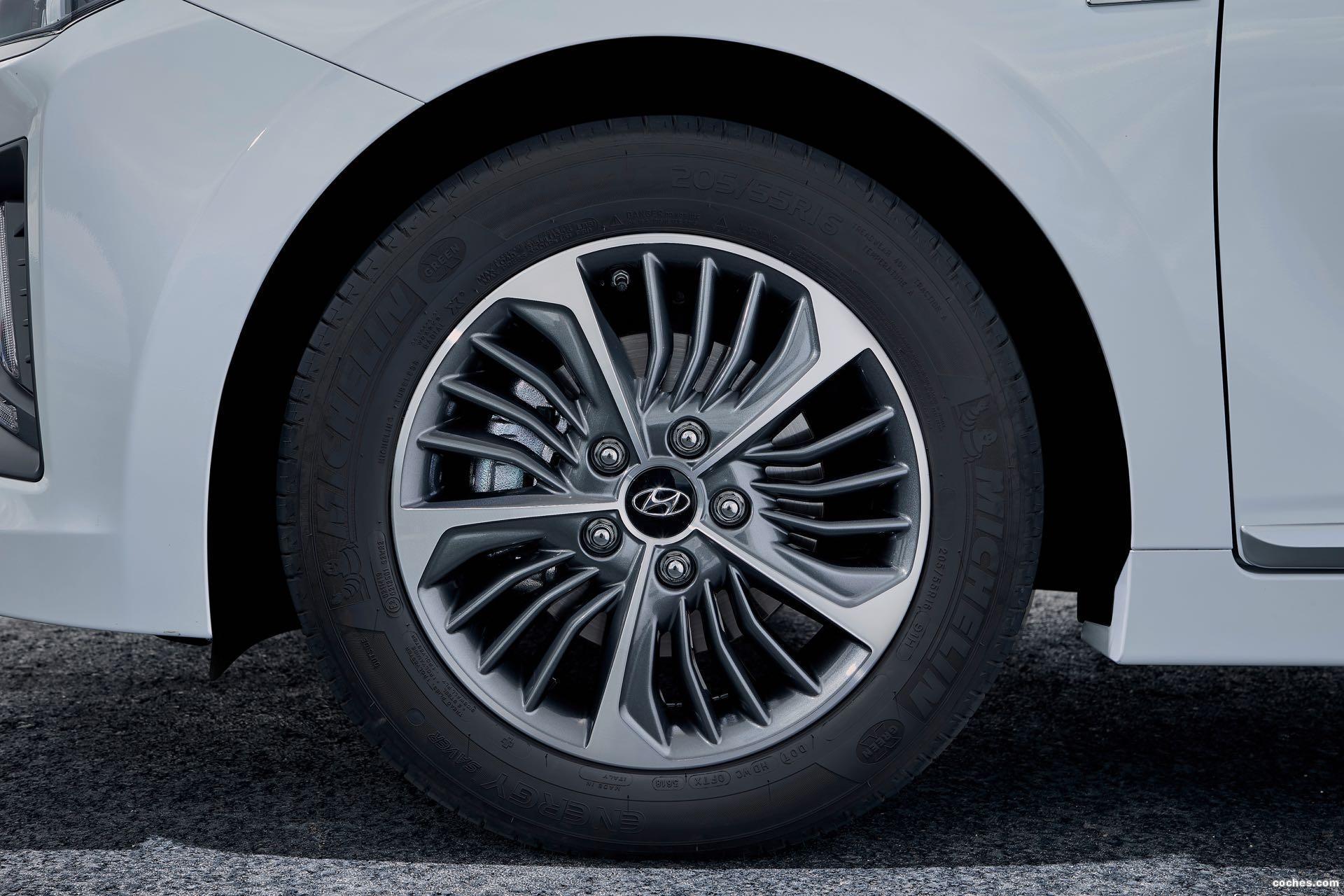Foto 12 de Hyundai Ioniq plug-in 2019