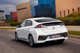 Ver foto 2 de Hyundai Ioniq plug-in 2019