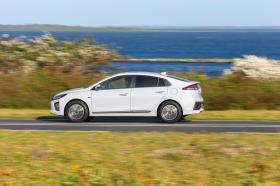 Ver foto 2 de Hyundai Ioniq Electric 2020