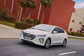 Ver foto 1 de Hyundai Ioniq Hybrid 2019