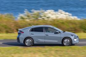 Ver foto 1 de Hyundai Ioniq Electric 2020