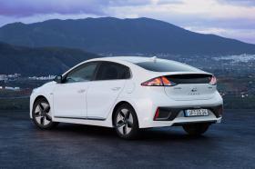 Ver foto 18 de Hyundai Ioniq Hybrid 2019