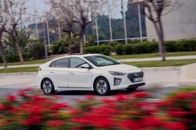 Ver foto 4 de Hyundai Ioniq plug-in 2019