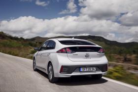 Ver foto 16 de Hyundai Ioniq Hybrid 2019