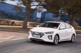 Ver foto 3 de Hyundai Ioniq Hybrid 2019