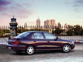 Ver foto 2 de Hyundai Lantra 1998
