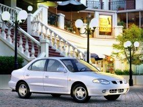 Ver foto 1 de Hyundai Lantra 1998