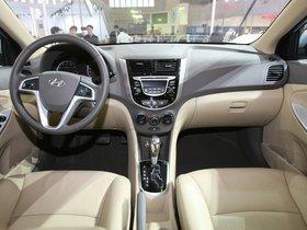 Ver foto 11 de Hyundai Verna 2010