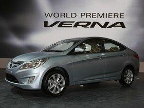 Ver foto 2 de Hyundai Verna 2010