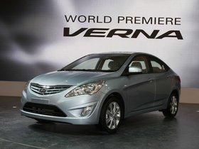 Ver foto 1 de Hyundai Verna 2010