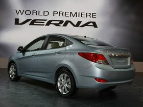 Ver foto 3 de Hyundai Verna 2010
