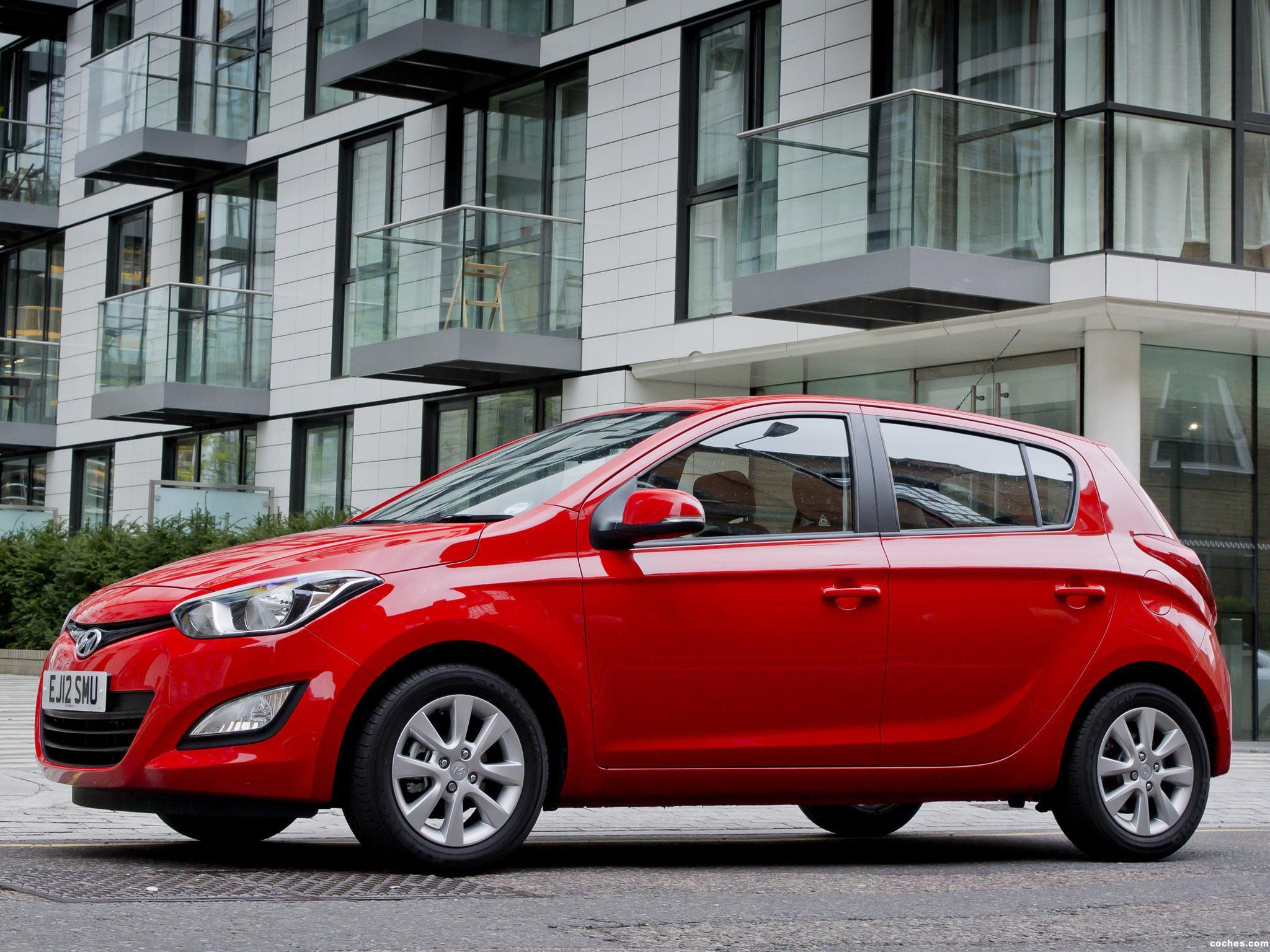 Foto 2 de Hyundai i20 UK 2012