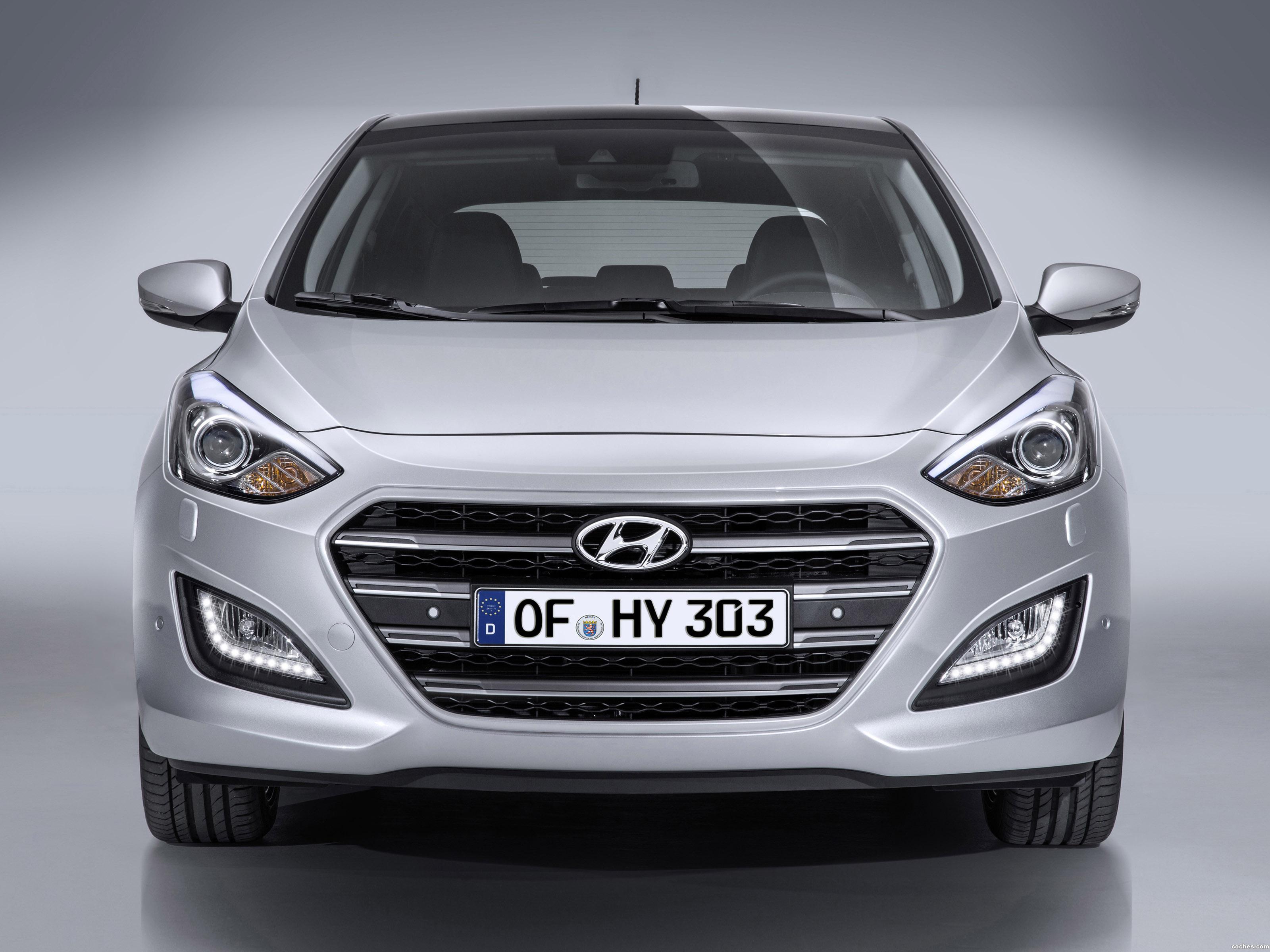 Foto 0 de Hyundai i30 5 puertas 2015