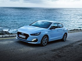 Ver foto 13 de Hyundai i30 Fastback 2017