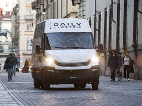 Ver foto 3 de Iveco Daily Electric 2016