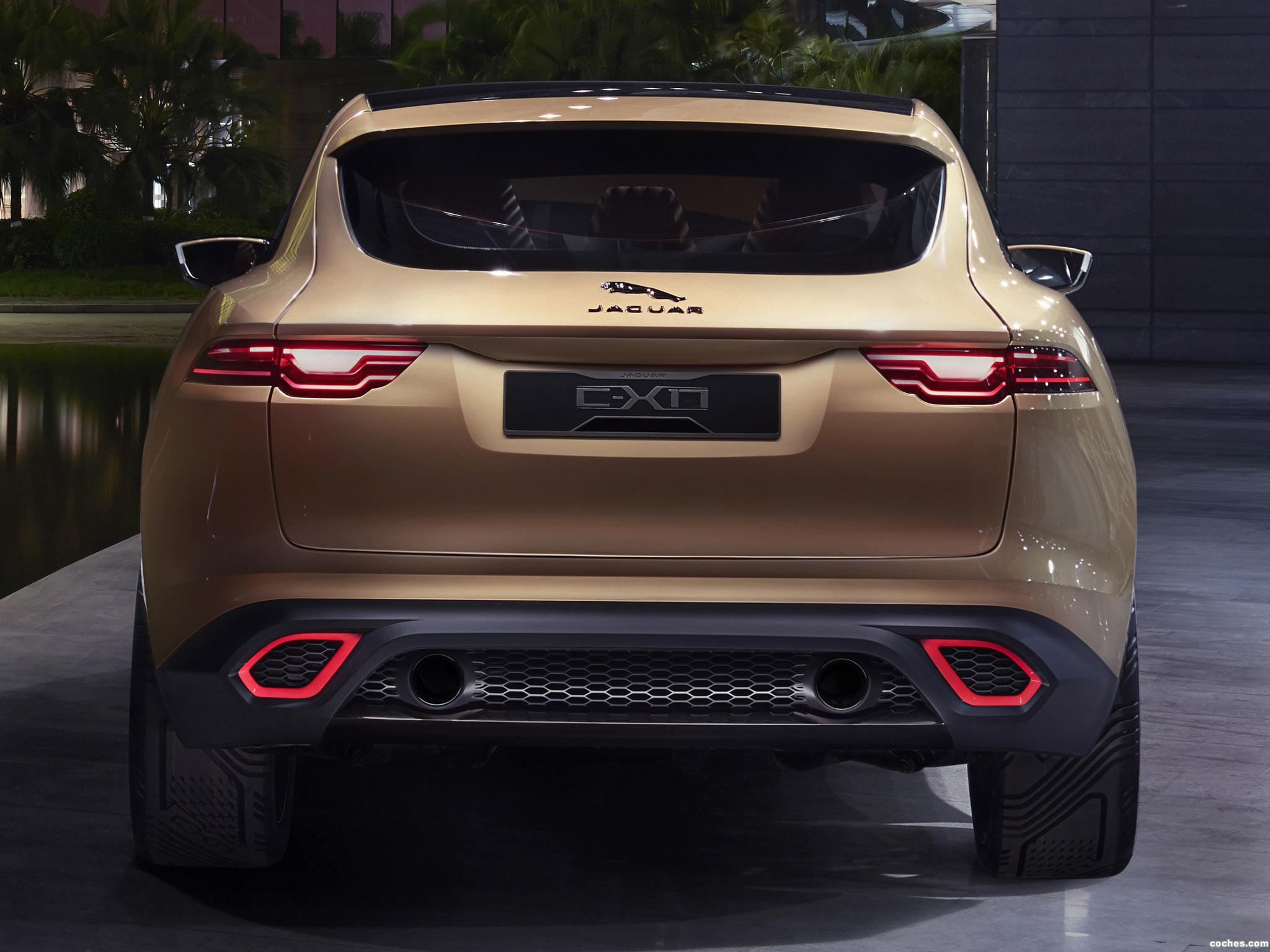 Foto 1 de Jaguar C-X17 5-Seater Concept 2013
