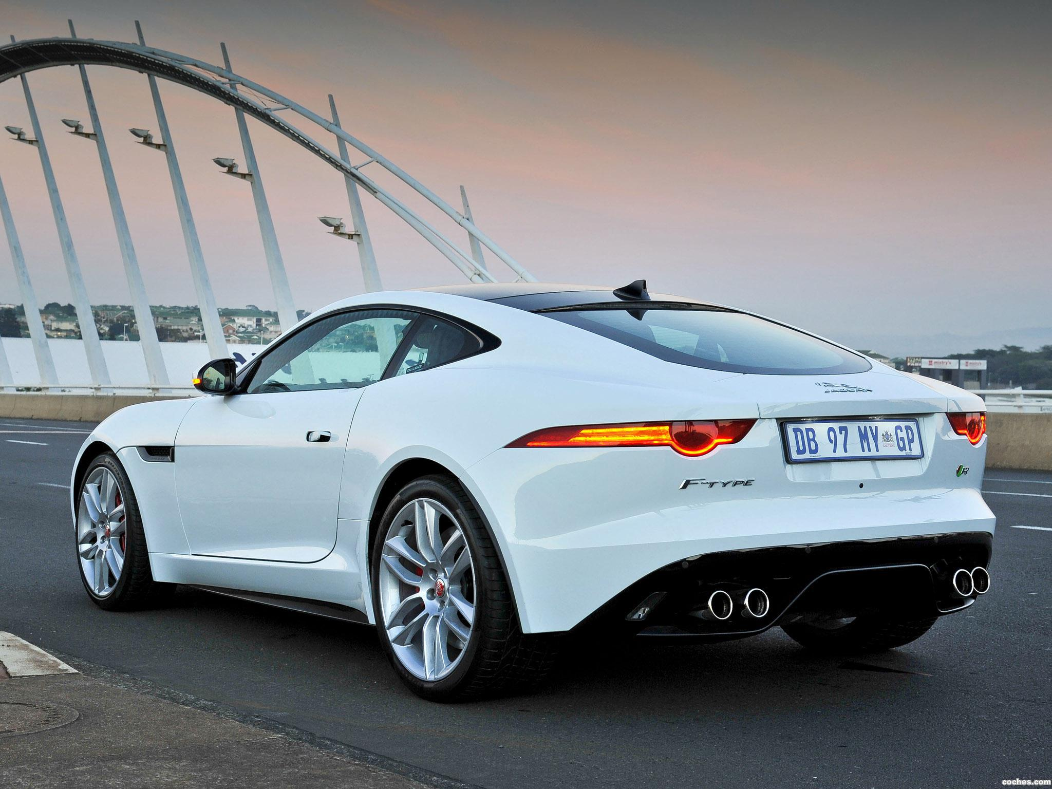 Foto 4 de Jaguar F-Type R Coupe 2014