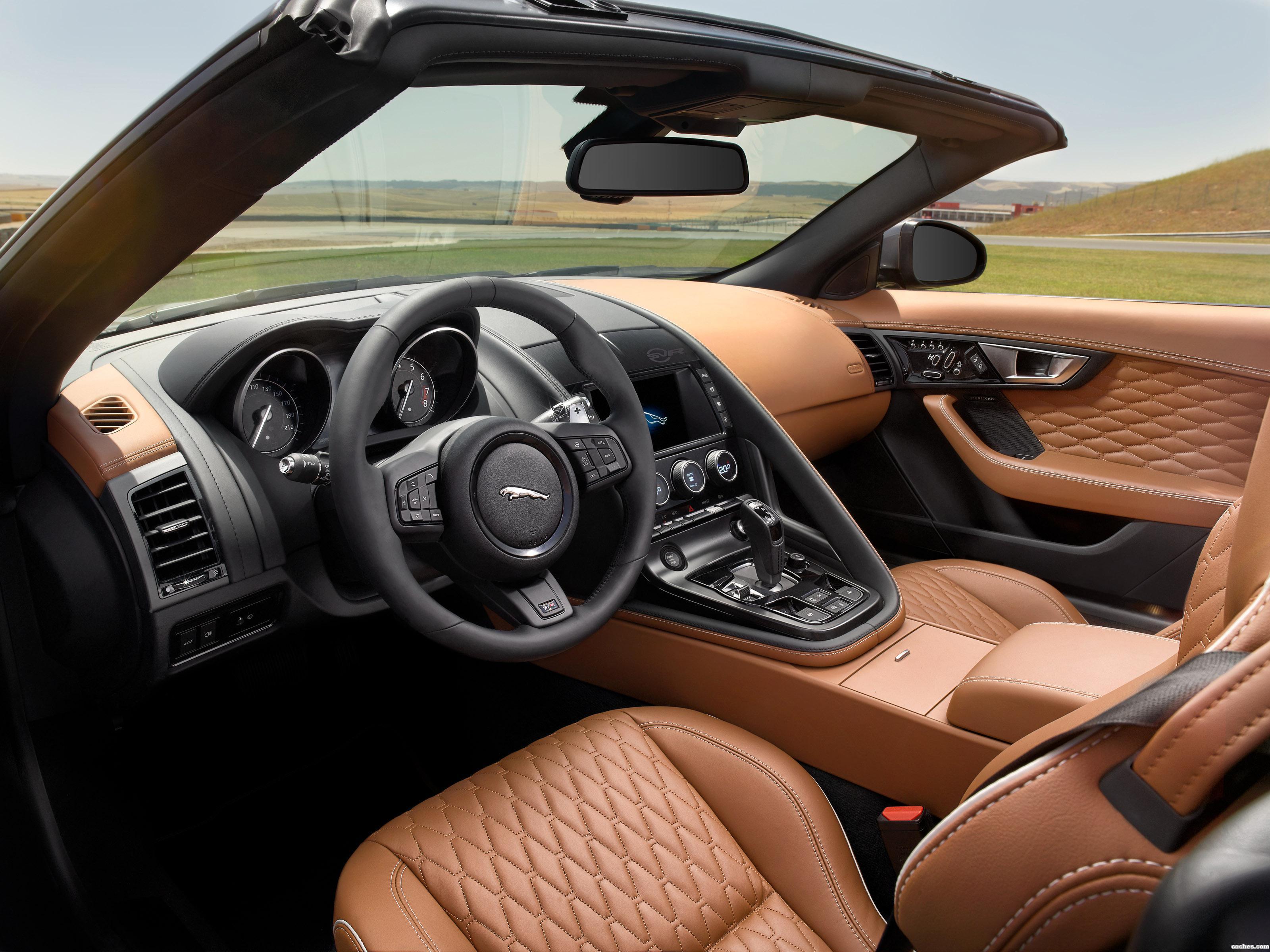 Foto 16 de Jaguar F-Type SVR Convertible 2016