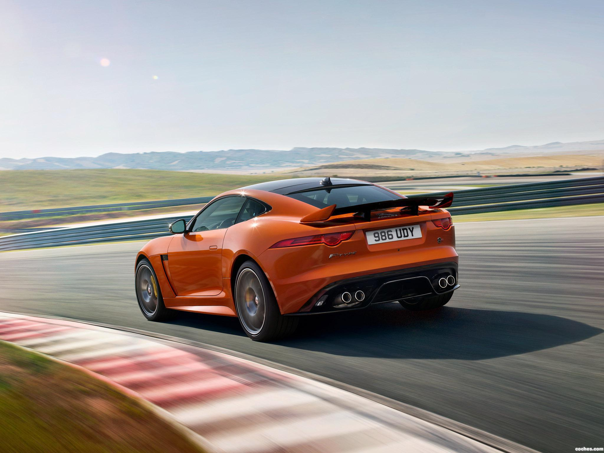 Foto 8 de Jaguar F-Type SVR Coupe 2016