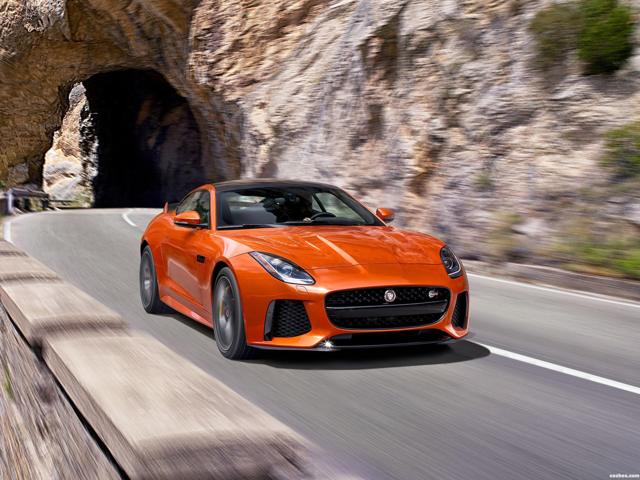 Foto 14 de Jaguar F-Type SVR Coupe 2016