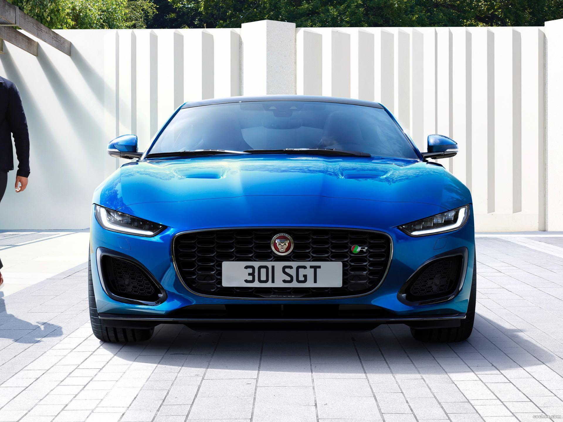 Foto 1 de Jaguar F-Type R Coupe 2020