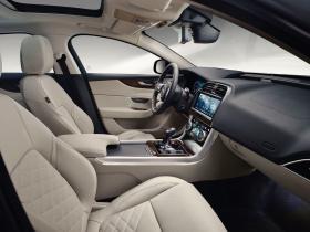 Ver foto 22 de Jaguar XE D180 HSE 2019