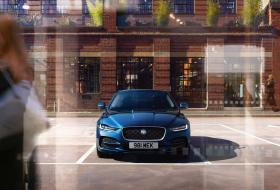 Ver foto 14 de Jaguar XE D180 HSE 2019