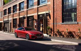 Ver foto 5 de Jaguar XE R-Dynamic 2019