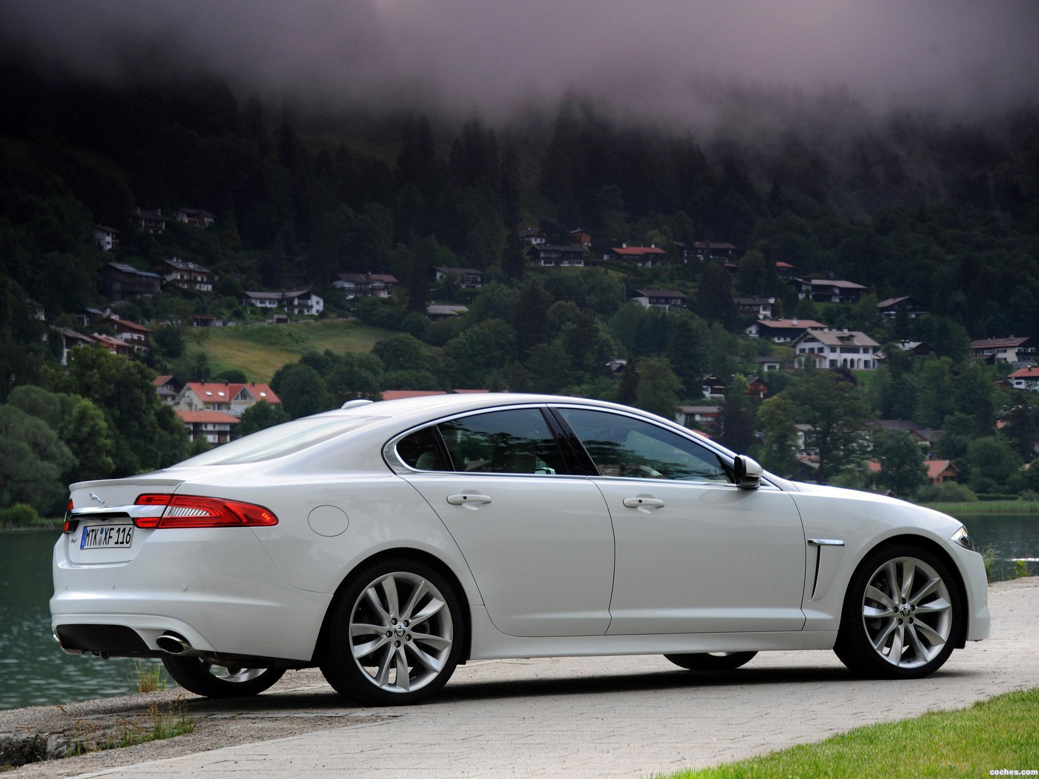 Foto 16 de Jaguar XF Diesel S 2011