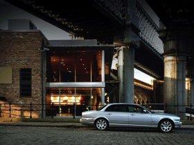 Ver foto 10 de Jaguar XJ8-L 2005
