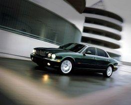Ver foto 21 de Jaguar XJ8-L 2005