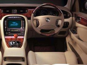 Ver foto 20 de Jaguar XJ8-L 2005