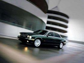 Ver foto 18 de Jaguar XJ8-L 2005
