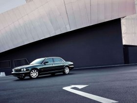 Ver foto 15 de Jaguar XJ8-L 2005