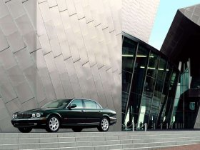 Ver foto 14 de Jaguar XJ8-L 2005